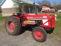Tracteur International - Modèle 354