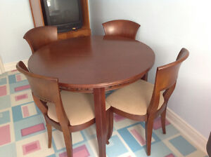 """42"""" Round Dining Table with 4 chairs"""