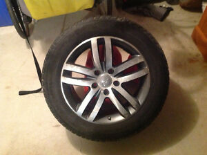 Audi Q7 winter tire and rims package with TPS