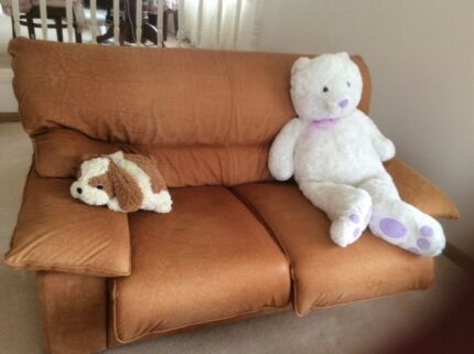 Leather sofa (3+2 seated)