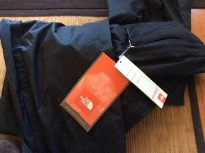 Women the north face pants- new