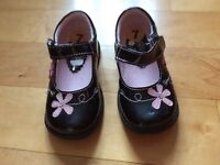 New little girls black shoes size 7