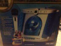 The singing machine SMG-2002 karaoke sing along boxed like new