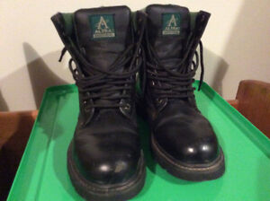 Black men's work boots - fits 7.5 to 8