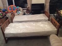 2 single beds / bunk beds with mattresses
