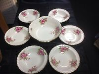 Grindley trifle bowl and six desert dishes cream petal