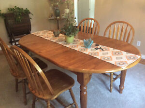 Beautiful oak dining table