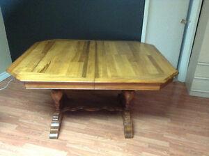 Table en bois antique