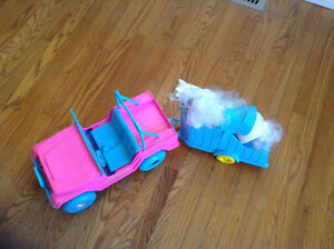 Barbie Jeep/Horse Trailer/Horse