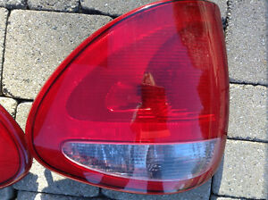 TAIL LIGHTS - 2004 DODGE MINIVAN Windsor Region Ontario image 3