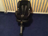 Maxi cosi baby car seat with Isofix for child 9 months to 4 years