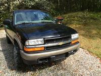 2000 Chevrolet S-10/ GMC Sonoma 4x4 Pick-up