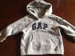 Gap fleece pullover sweater