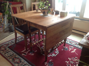 Antique Table with 2 chairs
