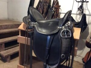 "16"" Dixieland Plantation Saddle black."