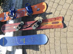1 planche race et 2 snowboard