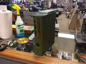 XBOX 360 Halo edition with 8 games