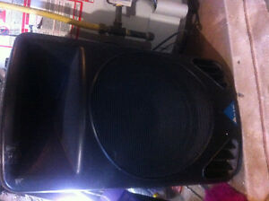 Alto ps 4la powered speakers Stratford Kitchener Area image 2