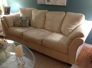 Beautiful classy sofa & recliner