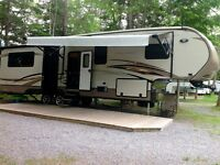 SAVE $$$$ 2015 Cruiser Fifth Wheel Model 345BH