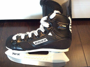 Skates - Kids Youth size 9D Bauer Supreme 1000 Custom like new