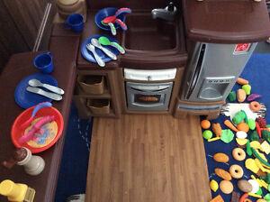 Step 2 Grand Large Walk in Play kitchen Stratford Kitchener Area image 6