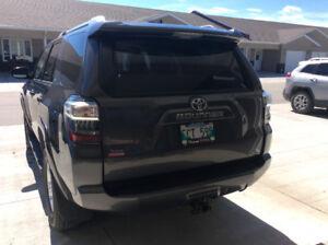 2015 Toyota 4Runner SR5 SUV, Crossover