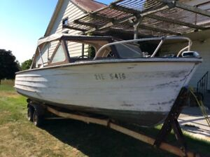 Maghogany boat for sale. reduced price, more photos