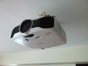 Home Theatre projector/ screen REDUCED ++++