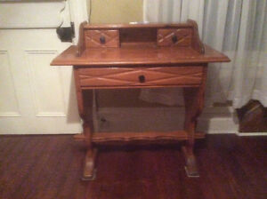 Solid Pine Desk Cornwall Ontario image 1