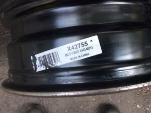 Hyundai Tucson black Steel rims
