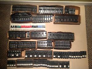 Lots de disjoncteurs/breakers NEUFS de toutes marques