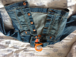 Never Worn Girls Size 6 Distressed Denim Jean Jacket