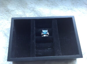 Beautiful 10k white gold ring with blue topaz (size 7)