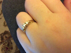 Engagement ring asking REDUCED 800$