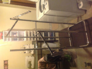Rolling rack for clothes