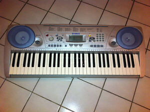 Yahama PSR-275 Keyboard in excellent condition.