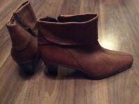 Elisa leather boots size UK 4