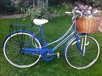 Retro Raleigh chiltern town bike with basket