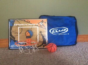 Portable basketball net/ball/case