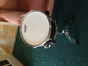 "10"" Pearl ""Firecracker"" Snare Drum w/Mapex Double-braced Stand"