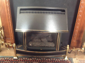 Fireplace, natural gas, excellent condition