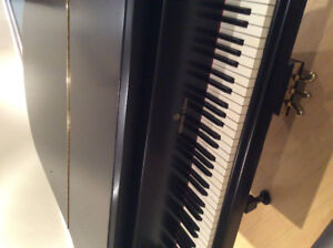 Steinway and Sons model M for sale for 15000$ ( neg )
