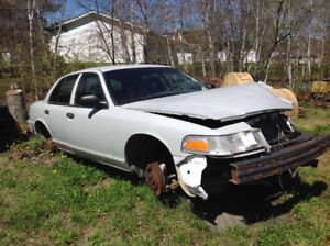 2005 Crown Vic for parts