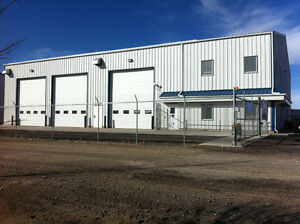 Commercial Shop - Fenced & Gated yard space for LEASE