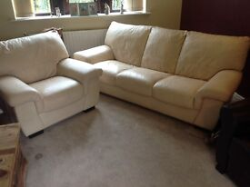 3 SEATER CREAM LEATHER SETTEE WITH CHAIR