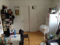 Small studio downtown 5 min from Concordia from September