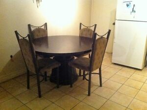 table and chairs for sale 150 obo