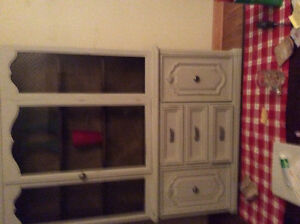 Magnificent display vintage cabinet 2piece at LOW price WOW! London Ontario image 3