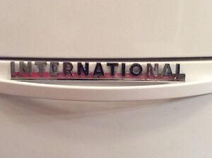 Vintage INTERNATIONAL TRUCK letter badge !